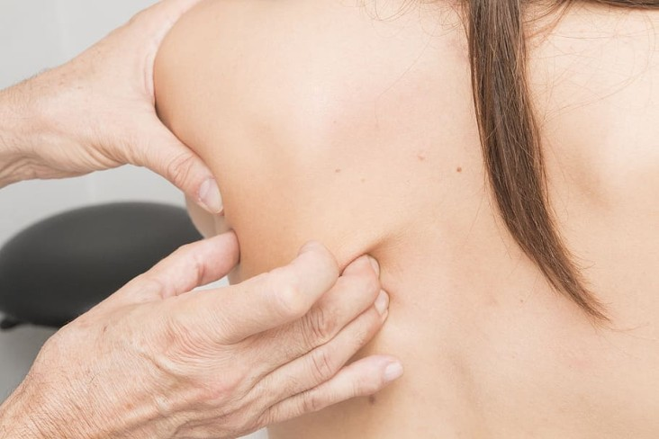 WHAT-CAN-BE-DONE-FOR-CHRONIC-SHOULDER-PAIN