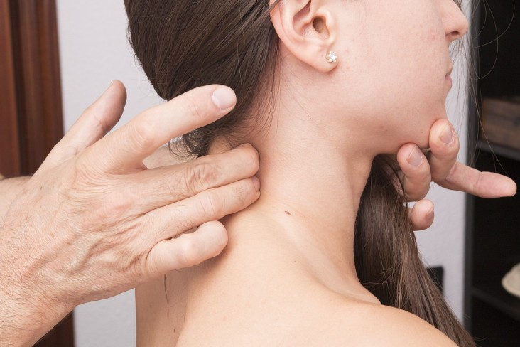 WHY-DOES-ONE-SUFFER-FROM-CERVICAL-DYSTONIA-AND-WHAT-ARE-THE-SIGNS-AND-SYMPTOMS