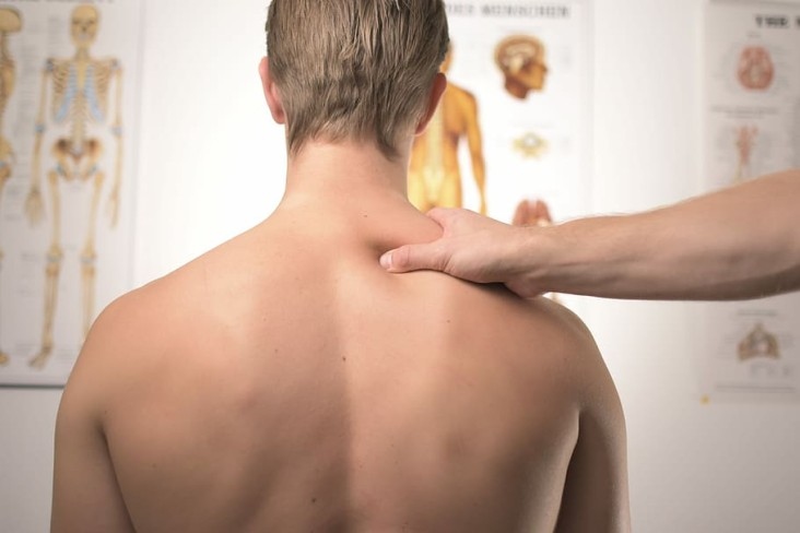 WHAT-TREATMENTS-ARE-THERE-FOR-CHRONIC-SHOULDER-PAIN